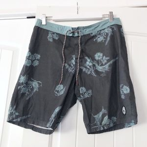 Katin floral grey board shorts size 32